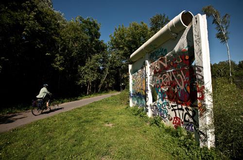Berlin-wall-2-500