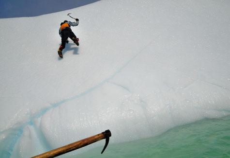 Ice-climbing-ax2