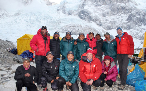 Pujas-dave-everest-team-475