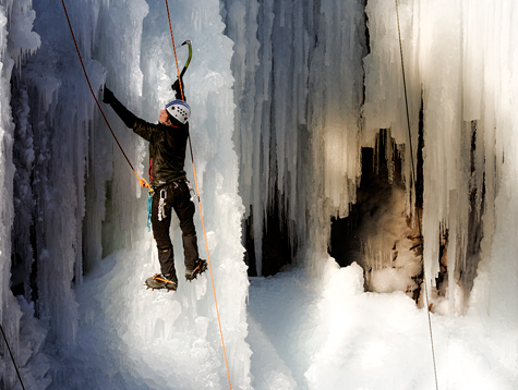 Ice-climbing-ouray-colorado