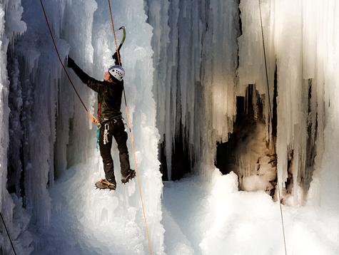 Ice-climbing-ouray-colorado