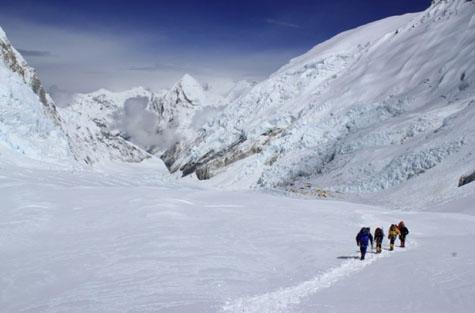 Climbers-lhotse