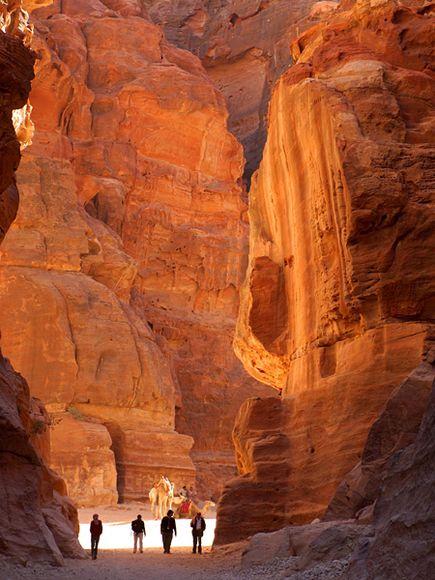 Petra-jordan-trail_36022_600x450