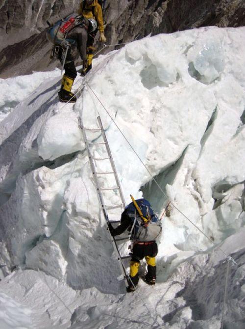 Climbing-ladder-2-475
